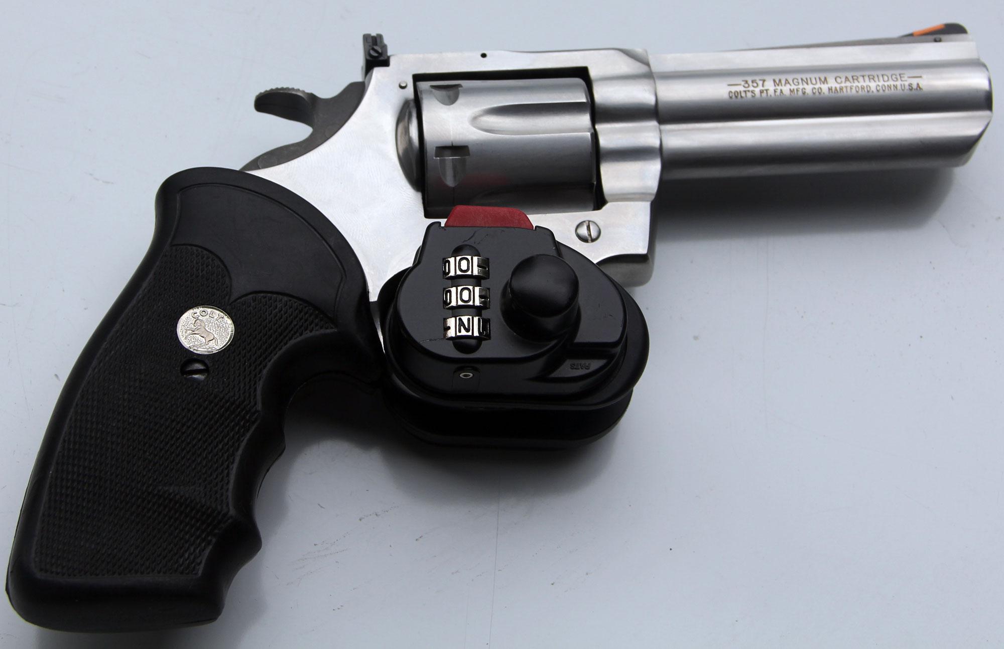Combination Trigger Locks on Ratchet Mechanism